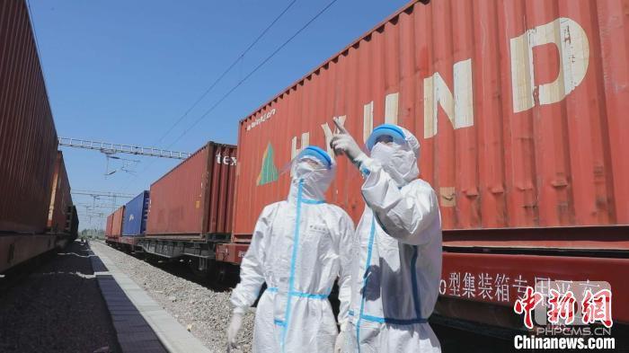 新疆霍尔果斯铁路口岸进出境中欧(中亚)班列累计开行超1.5万列